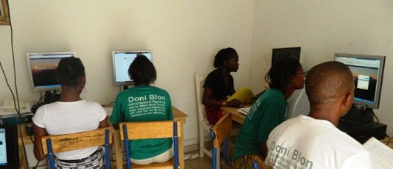 Article : Formation à Internet à Doni blon, un centre de formation au tourisme et à l'hôtellerie à Ségou